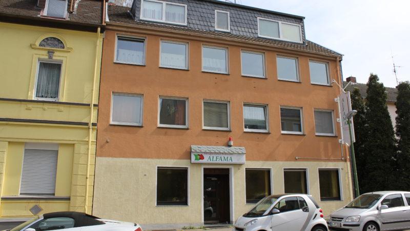 Die perfekte Immobilie für den Gastronomen: Wohn- und Geschäftshaus mit 5 Wohnungen, Restaurant und Lager im Hinterhof