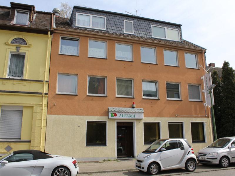 Top Zustand: Wohn- und Geschäftshaus mit Restaurant und Lagerhalle im Hinterhof